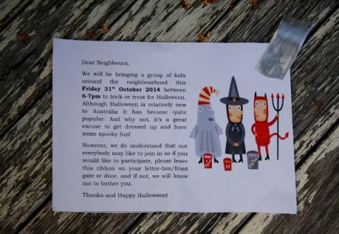 En Australia los niños avisan días antes de que pasarán a recoger sus dulces y caramelos. Son muy educados.