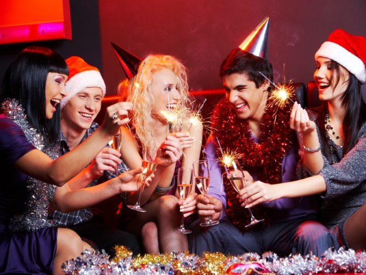 Los mejores planes para organizar una cena de empresa en Navidad