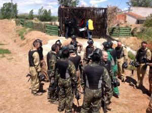 Los chicos eligen actividades de aventura por equipos donde la competición no pare