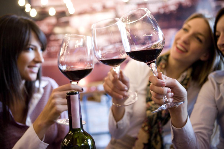 Mediante le juego mas original podemos aprender a reconocer los mejroes vinos y adecuar ese gusto a nuestras preferencias